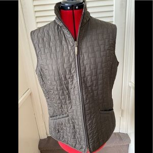 Ladies sleeveless quilted vest by Olsen Fashion